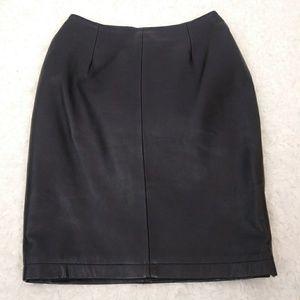 Hugo Buscati Black Mini 100% Leather Zip Slit Sz 4